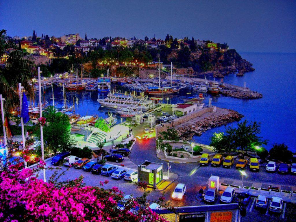 انطاليا والمدن التركية
